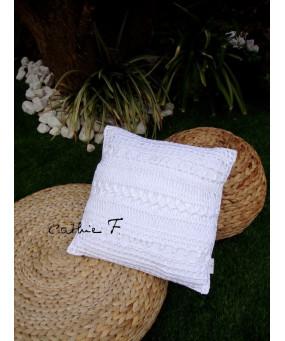 Coussin BLANCA crochet blanc